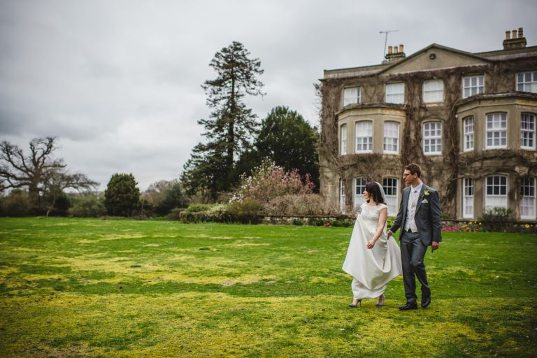 Hayley Thomas previews Northbrook Park Surrey Wedding Photographer